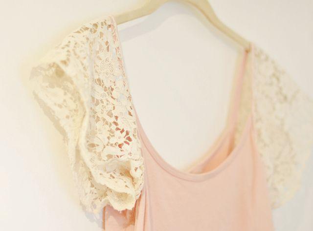 DIY lace sleeves on a tank top..soo cute!