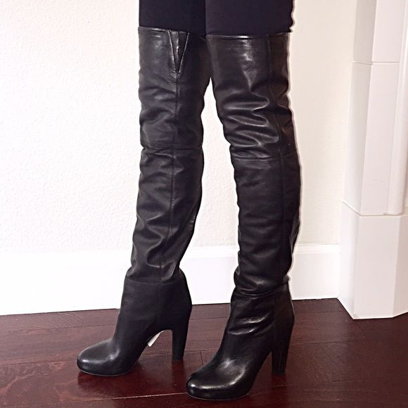 Authentic Vince. Thigh High Leather Boots BRAND NEW  BRAND NEW, never worn, Authentic Vince. Thigh High Julianne leather boots. Made in Italy. Women Size 7. Vince Shoes