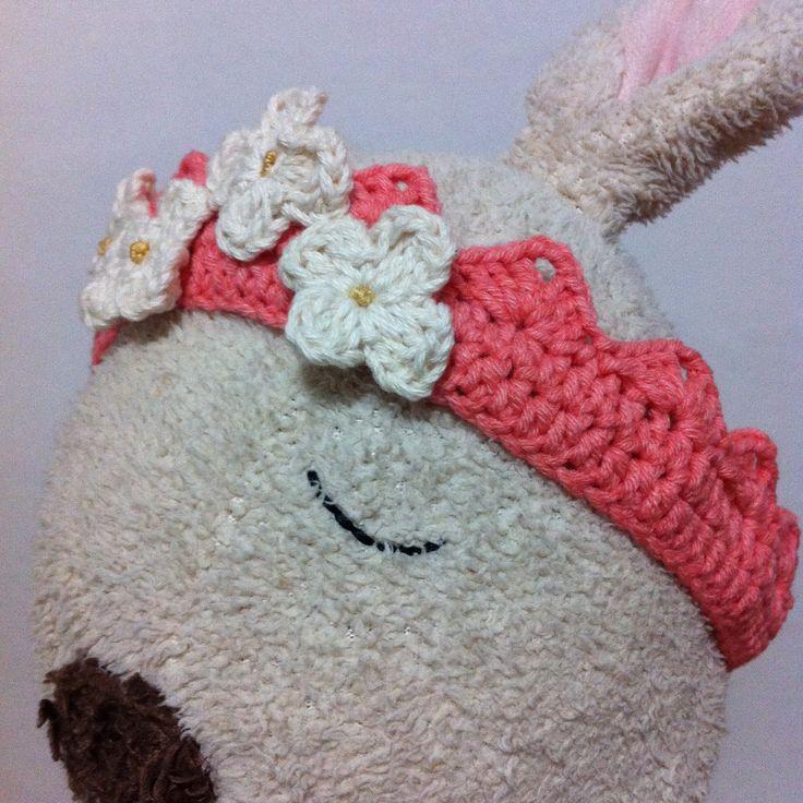 Baby headband. Crochet. Tiara.