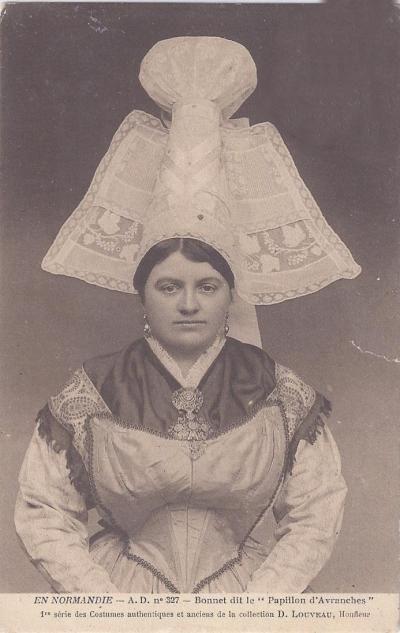 croix de Rouen - costume et coiffe normand