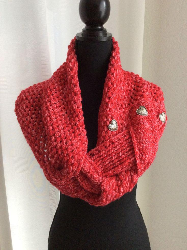 Blij om mijn nieuwste toevoeging aan mijn #etsy shop te kunnen delen: Kledingcadeau, rode col sjaal, Valentijn cadeau, sjaalcol, cadeau vrouw, verjaardag, hartjes sjaal,cadeau voor haar, wintersjaal, gehaakt #accessoires #verjaardagscadeau #valentijnsdag #rodesjaalsencol #nekwarmergehaakt