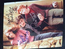 Harry Potter with Daniel Radcliffe & Emma W... by Nostalgic Cards & Autographs for $9.95 http://amzn.to/2gIEd0B