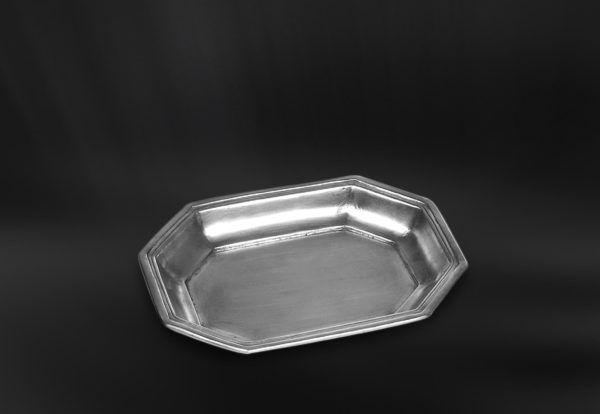 Pewter Soap Dish - Length: 16,5 cm (6,5″) - Width: 13 cm (5,1″) - #pewter #soap #dish #peltro #porta #sapone #portasapone #zinn #seifenschale #étain #etain #porte #savon #peltre #tinn #олово #оловянный #gifts #giftware #bath #bathroom #accessories #badaccessoires #accessori #bagno #home #housewares #homewares #decor #design #bottega #peltro #GT #italian #handmade #made #italy #artisans #craftsmanship #craftsman #primitive #vintage #antique