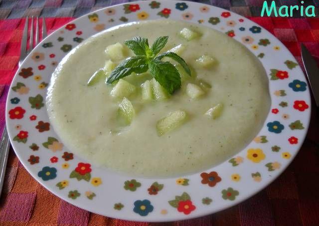 Sopa fría de apio con hierbabuena y melón Galia