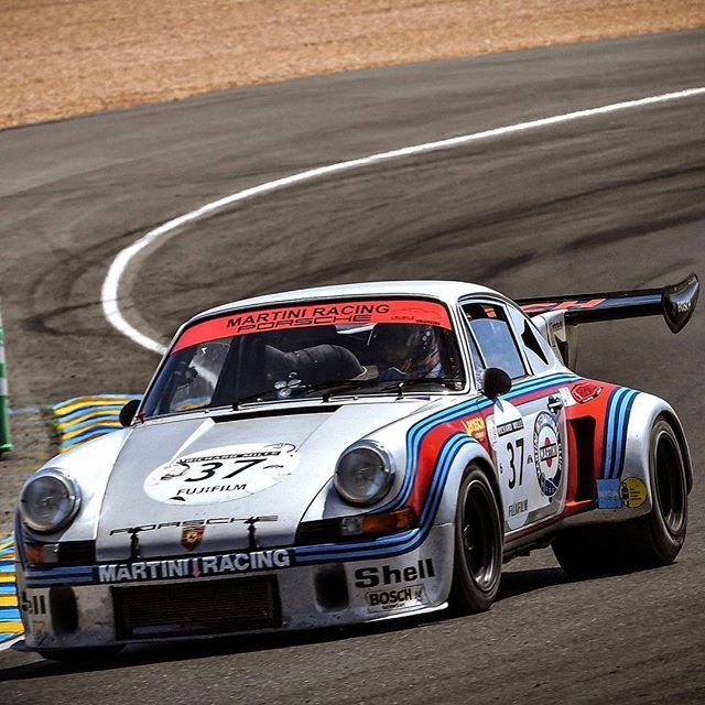Such a beautiful piece of machinery. Love this 1974 Le Mans RSR Porsche. Those rear tires tho. Go big or go home. #Porsche #porscheLeMansRSR #lemans24h #carfanatic #racecar #martiniracing
