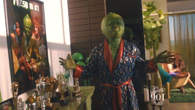 Джастин Тимберлейк сыграл роль говорящего лайма в рекламе текилы. В ролике рассказывают историю взлетов и падений героя по имени Рик «Кислятина» Вэйн.