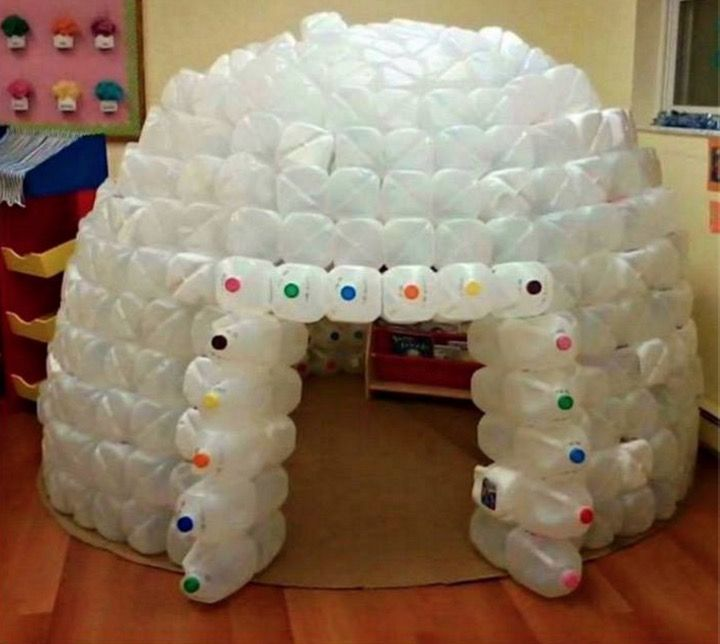 Here's a great way to teach the kids about recycling. We are in love with this Milk Jug Igloo and it's an easy DIY the whole family can try.