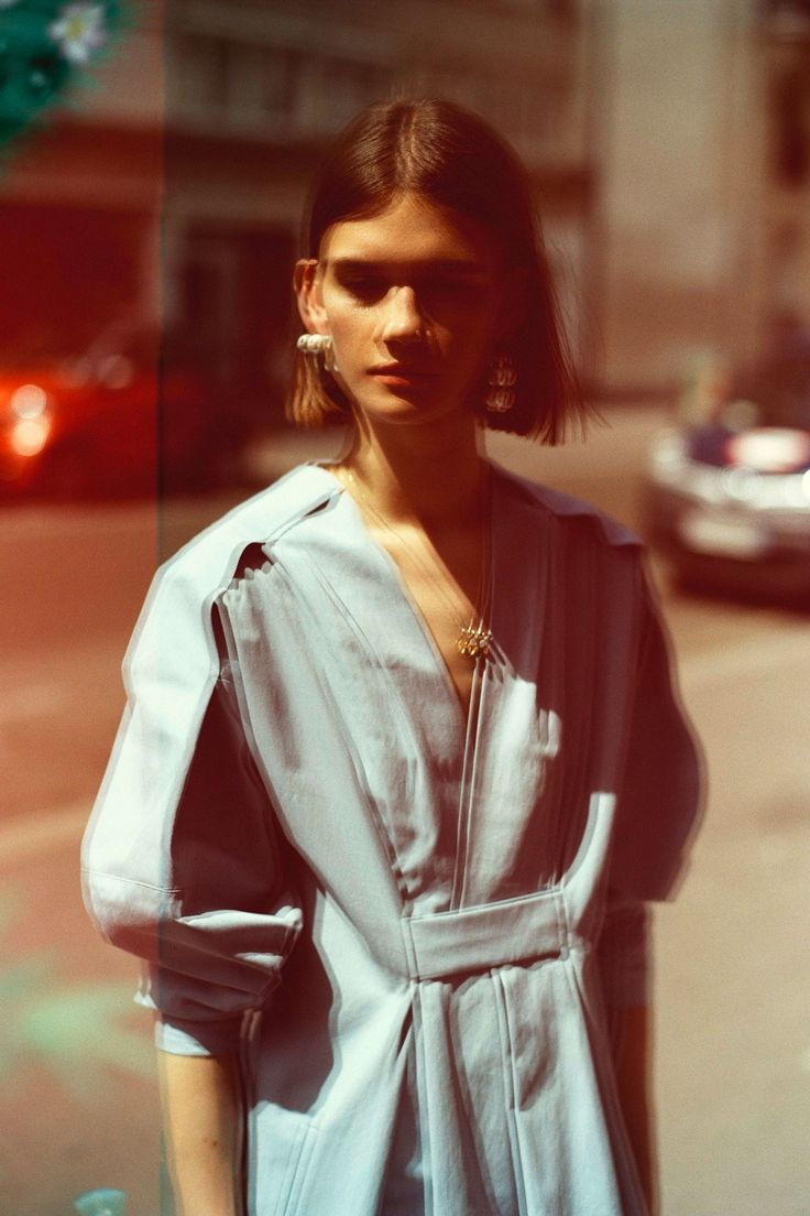 Carven Resort 2018 Collection Photos - Vogue #blurry #photo #fashion