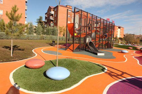 El Parque de Galicia de Alcobendas ya está operativo a los vecinos. Se trata de un enclave verde completamente renovado, pensado para el disfrute y uso de niños, mayores, padres y madres, amantes del deporte, de la cultura, de los animales… Este espacio está compuesto por más de cien mil metros cuadrados dirigidos a que …