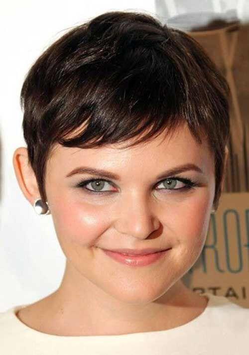 27 Round Haircuts: See Photos And Choose!