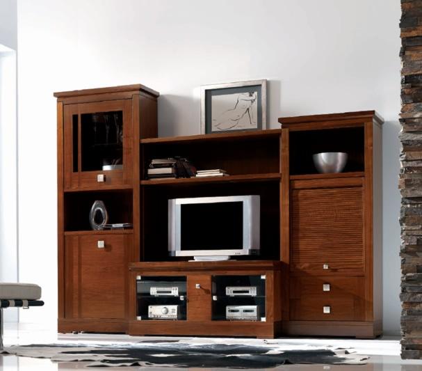 El acabado artesanal, la creación de cada mueble como pieza única queda patente en esta colección. // The craftsmanship, creating every single piece of furniture as is evident in this collection.