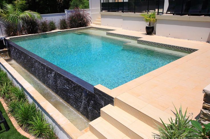 This fantastic wet-edge pool has been designed to fit in with the beachfront location so you can sit and look across the wet-edge into the bay.