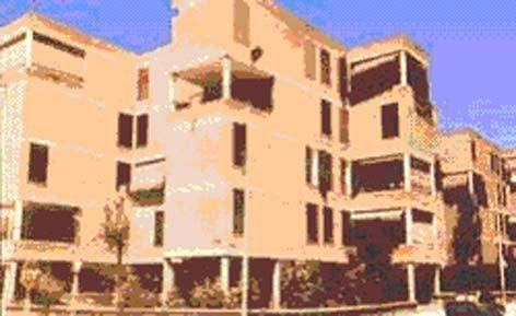 Barrio de las Fronteras de Torrejón de Ardoz, de 218 viviendas experimentales promovidas por el Instituto Nacional de la Vivienda - 1973 (Rafael Leoz)