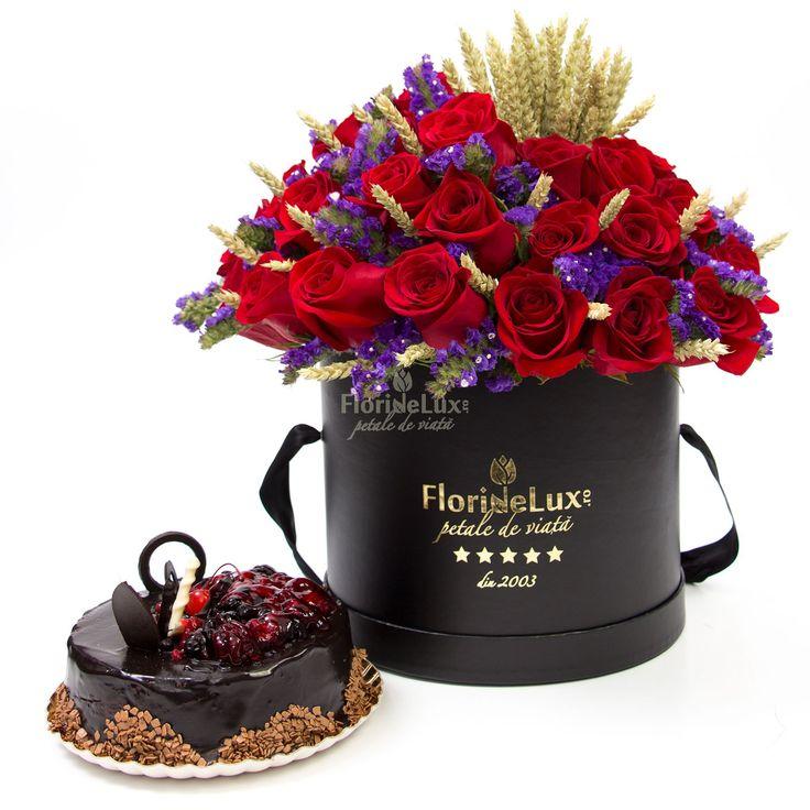 Cutie cu flori si tort   FlorideLux.ro https://www.floridelux.ro/cutie-cu-flori-si-tort.html