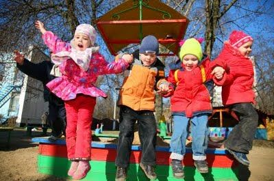 Montessori Preschool Outdoor Play: Activity Ideas for Social Development