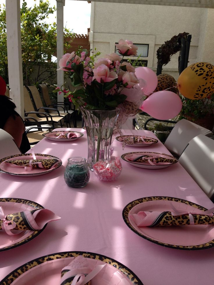 Leopard and pink table setting