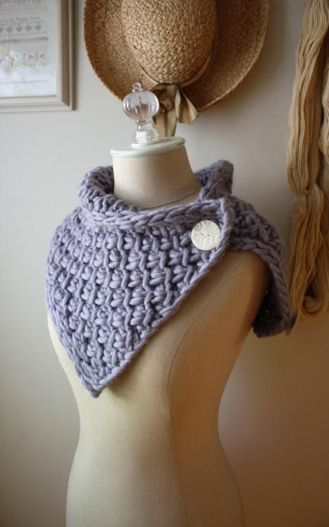 Phydeaux Twist Cowl Knitting Pattern by phydeaux