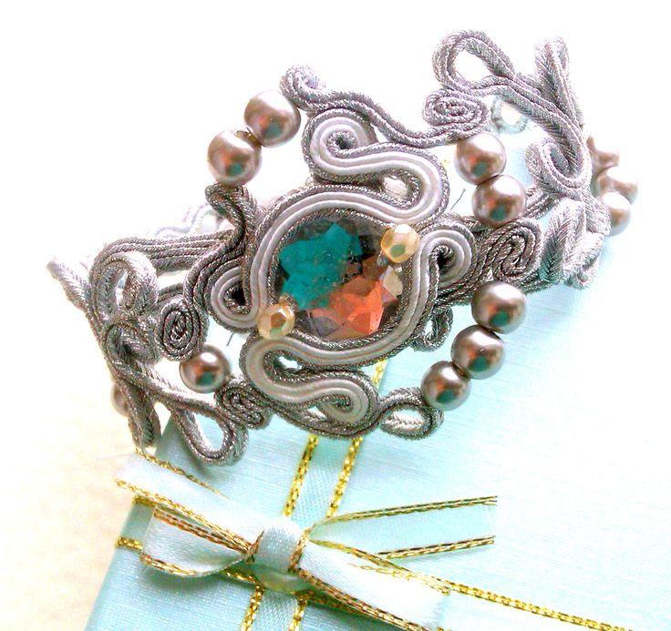"Srebrna, ażurowa bransoletka sutasz Facebook: ""Soutache, beads, Shibori Cristallin, sutasz i koraliki"""
