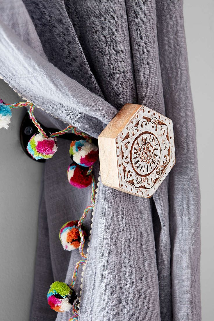 Diy Ribbon Curtain Tie Backs - Plum bow woodblock hexagon curtain tie back
