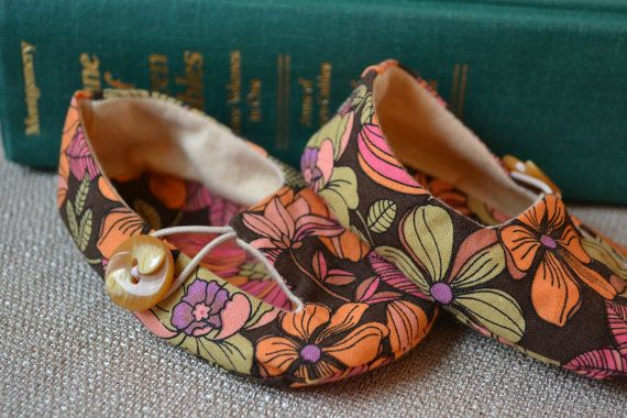 Flower Child Hippie Slippers for 03 months by LittlePort on Etsy, $20.00