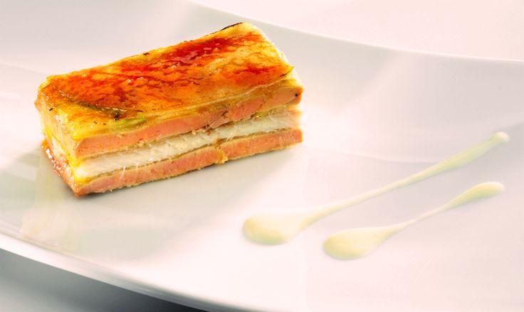 Milhojas caramelizado de foie gras, anguila y manzana de Martín Berasategui  | Gastronomía & Cía