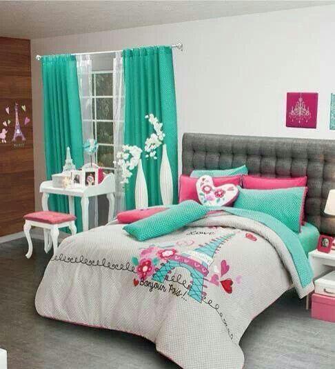 Mini habitacion decorado color rosa,blaco,verde meta....Torre Eiffel