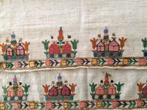 19th C ANTIQUE OTTOMAN-TURKISH HAND EMBROIDERY ON LINEN .<br/>Embroidery - 20117