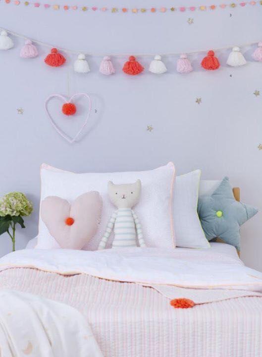 25 best ideas about coussins d coratifs sur pinterest. Black Bedroom Furniture Sets. Home Design Ideas