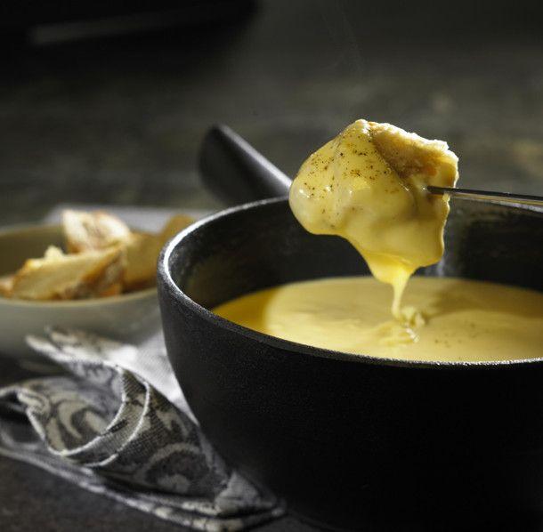 Unser beliebtes Rezept für Käsefondue und mehr als 55.000 weitere kostenlose Rezepte auf LECKER.de.