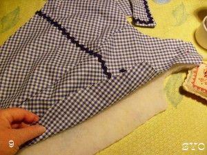 Pour réaliser ce manteau pour petit chien , avec le patron que je vous ai donné ICI il vous faudra : - du tissu imperméable ou non, pour le dessus - Du molleton, et une doublure (ou directement un tissu matelassé pour l'intérieur) - Du biais - Des boutons...