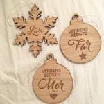 Gør din jul personlig i år med denne fine snefnug med navn på. Super fin som gave eller bare til pynt derhjemme i den dejlige juletid. Snefnugget bliver leveret
