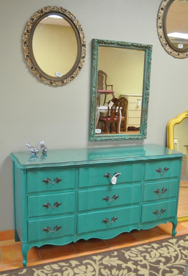 teal dresser... this is what I want to paint MY dresser. yesssss