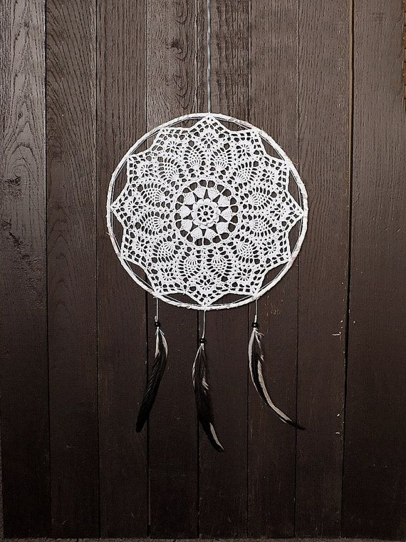 White dream catcher, wall hanging, large dreamcatcher, crochet doily, wall decoration, home decor, unique, handmade, doily dream catcher, bedroom decor Diameter of metal hoop 13 inches (33 cm) The total length of the dream catcher 28 inches or 70 cm. When dreamcatchers were originally