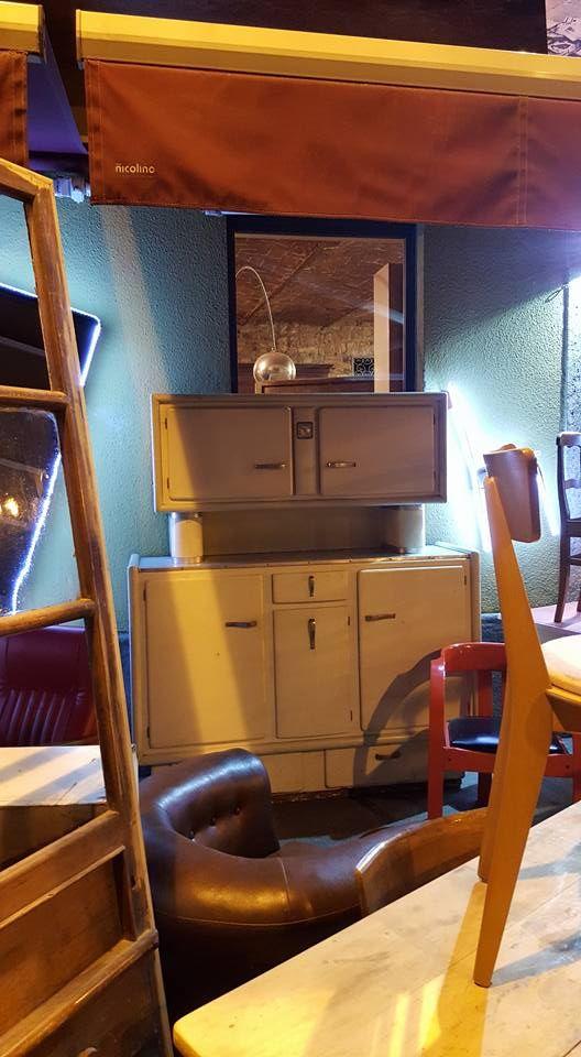 Credenza anni '40 - Garaffo Mobili  dispone di una vasta scelta di pezzi di modernariato.  Con doppia esposizione su via Borgo Dora e Canale Carpanini, propone pezzi di antiquariato [...]