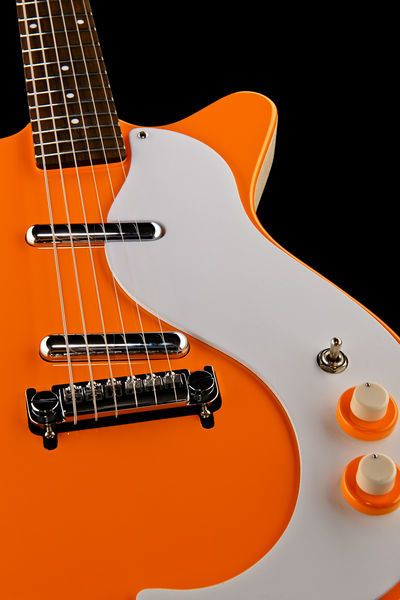 Danelectro DE 59M NOS OR electric guitar, improved reissue of the legendary model, finish: orange #thomann #danelectro #guitar