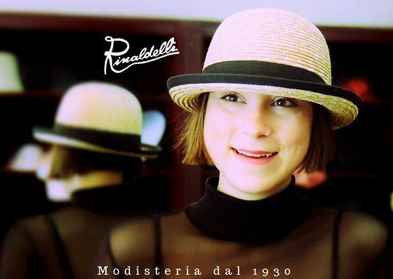 Enjoy your time!  Rinaldelli Bring Spring 2017  #cappello #cappelli #hat #hats #moda #fashion #modauomo #modadonna #manfashion #womanfashion #video #accessori #hatsday #instalike #instalife #instamoment #l4l #like4like #likeforlike #bride #wedding #matrimonio #fascinator