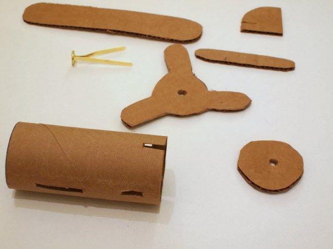 pieces d'avion en carton