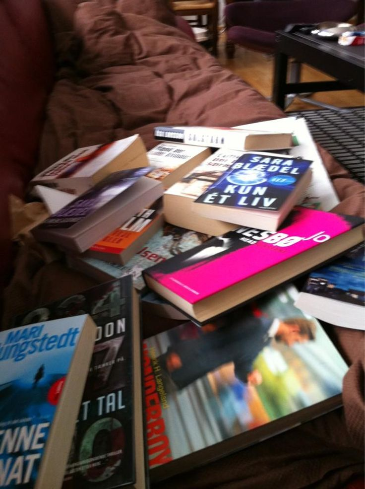 @JillGraugaard s bogreol efter #ISBNbingo