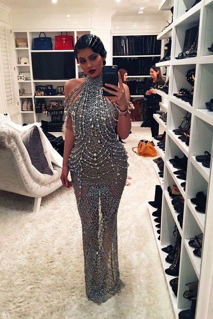 """Take a Tour of Kylie Jenner's """"Glam Room,"""" Wig Stands, Selfie Lights, and All"""