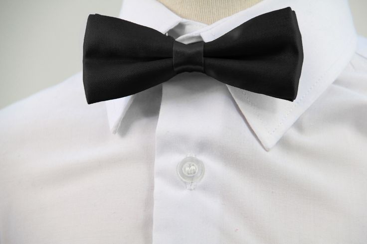 |Black| Visit our site for a wide selection of boys bow ties in a range of colours.