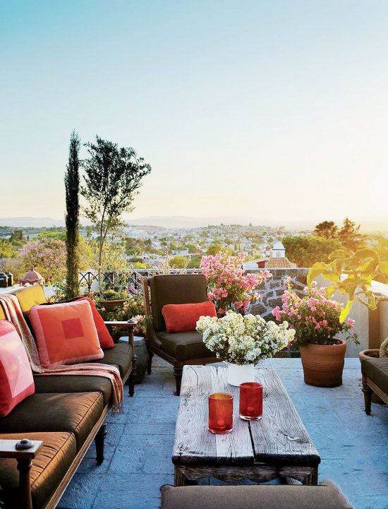 colorful and chic rooftop garden via architectural digest. / sfgirlbybay