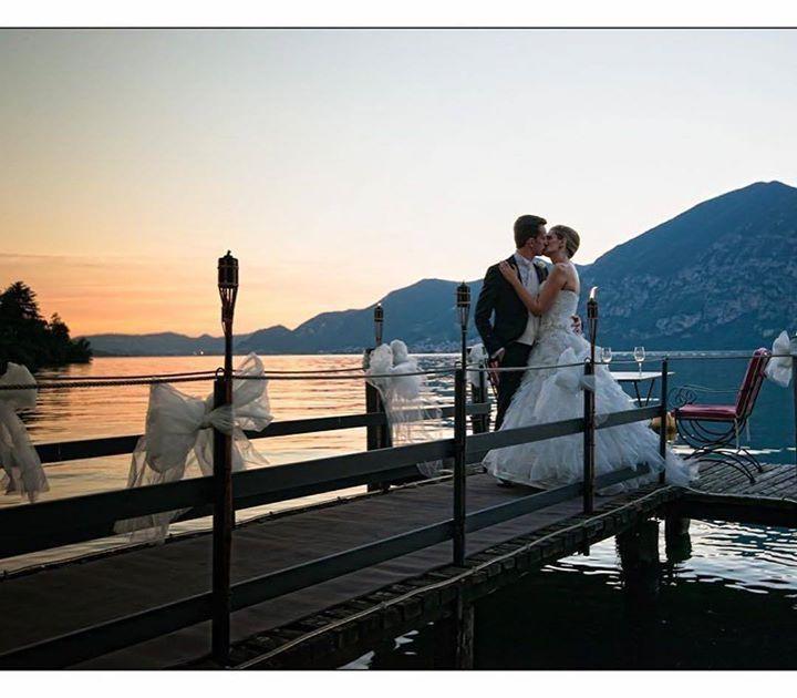 Puoi immaginare il tuo giorno più bello sul #lagodiseo? La cornice romantica e l'atmosfera raccolta di questo territorio ne fanno un luogo ideale per vivere la magia di un matrimonio stupendo. Molte coppie arrivano anche da luoghi lontani e a tutti vanno i nostri migliori auguri! Foto: @alessandro_cremona_fotografo  #visitlakeiseo #theromanticchoice #inlombardia #weddin #weddingday #italiait #ilikeitaly #laghilombardi #laghiitaliani #lago #iseolake #inlombardia365 #springinlombardia…