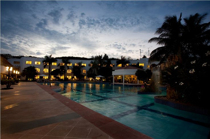 Lemon Tree Hotel, Aurangabad welcomes you with cheery greetings, a friendly smile and a whiff of the signature lemon fragrance.   http://www.lemontreehotels.com/lemon-tree-hotel/aurangabad/hotel-aurangabad.aspx