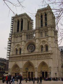 Catedral de Notre Dame en París, una de las  catedrales góticas más antiguas del mundo.