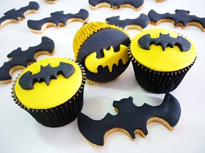 Batman cupcakes & cookies