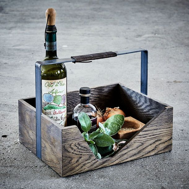 This versatile and portable open storage box is made from solid natural oak and can be used to store magazines, spices and oils or as a serving tray.