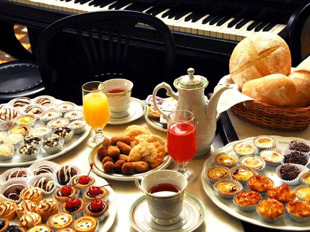 Chá da tarde servido na Confeitaria Colombo. Foto: Divulgação