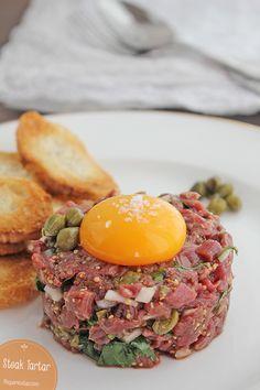 Receta paso a paso para hacer hacer steak tartar. Si te preguntas cómo hacer steak tartar perfecto, no te pierdas esta receta de carne.