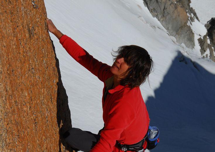 En 1911 Catherine Destivelle se fixe pour objectif d'être la première femme à ouvrir une voie dans le massif du Mont Blanc.