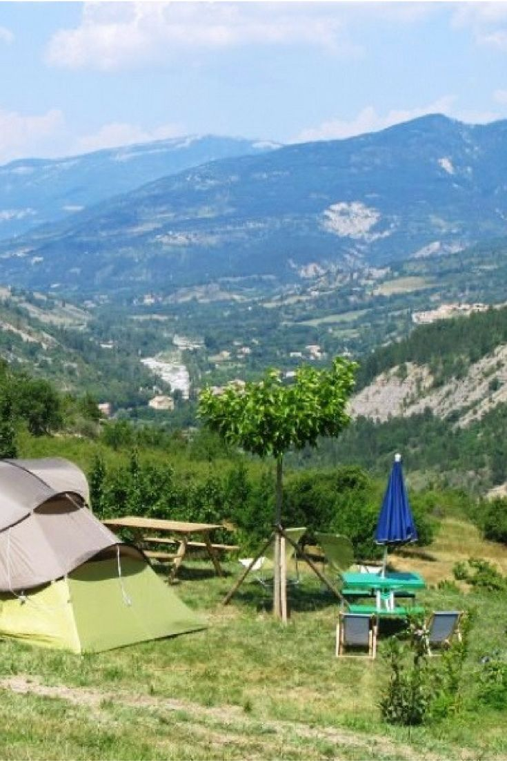 Kleine boerencamping met uitzicht in de Drôme | frankrijkpuur.nl | La Perrière